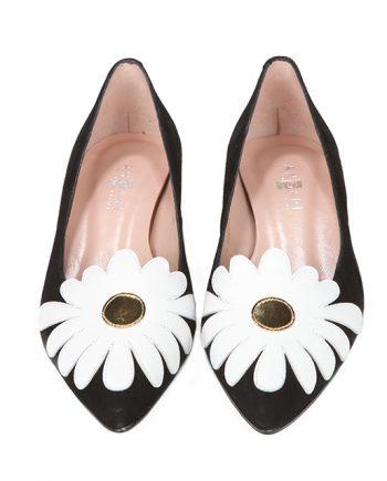Zapatos Mujer Planos Ante Negro Flor Puntera Angari Shoes.