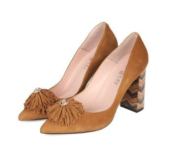 Zapatos Salón Ante Beige Flor Flecos Angari Shoes.