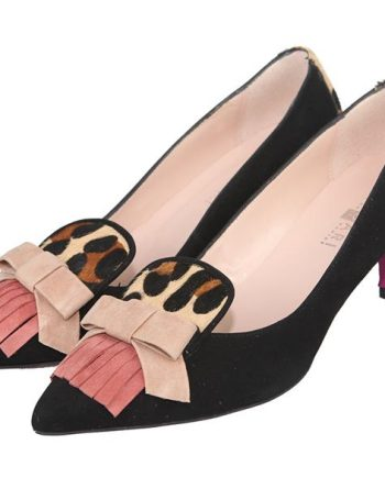zapatos de tacón medio con lazo y flecos en pala efecto animal print